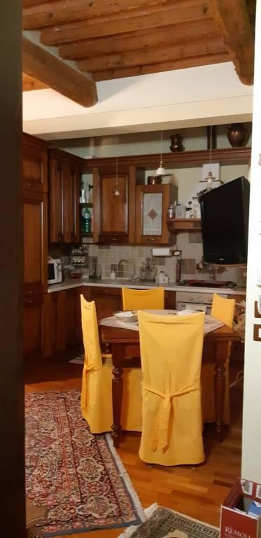 Appartamento in ottime condizioni arredato in affitto Rif. 9261219