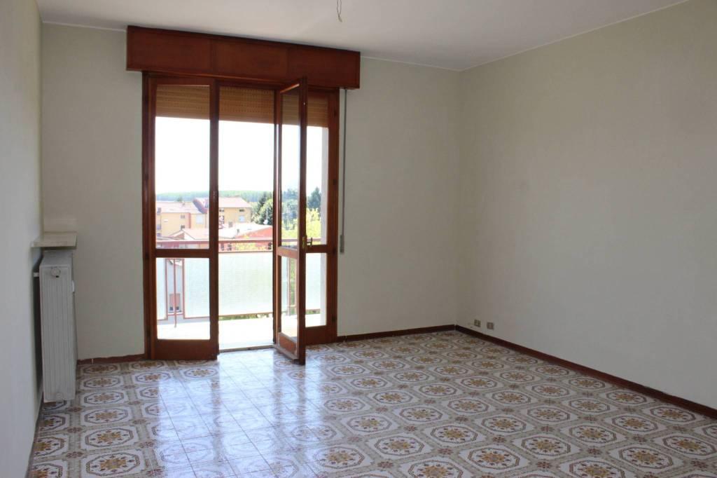 Appartamento in buone condizioni in vendita Rif. 9262455