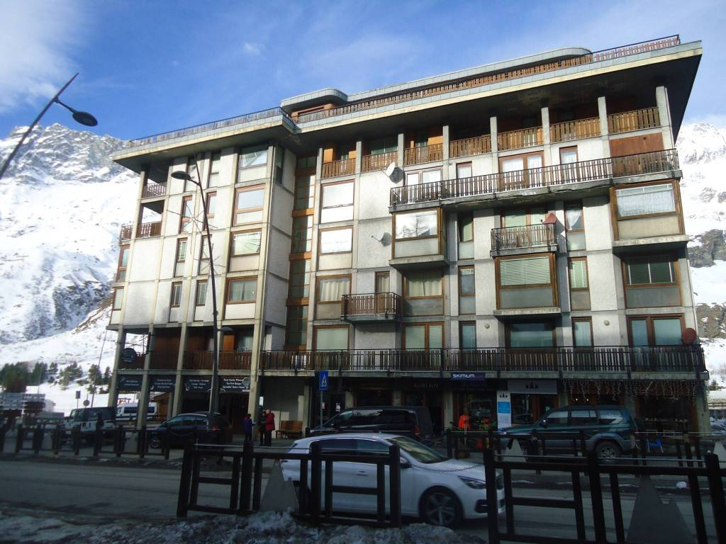 Appartamento 5 locali in vendita a Valtournenche (AO)
