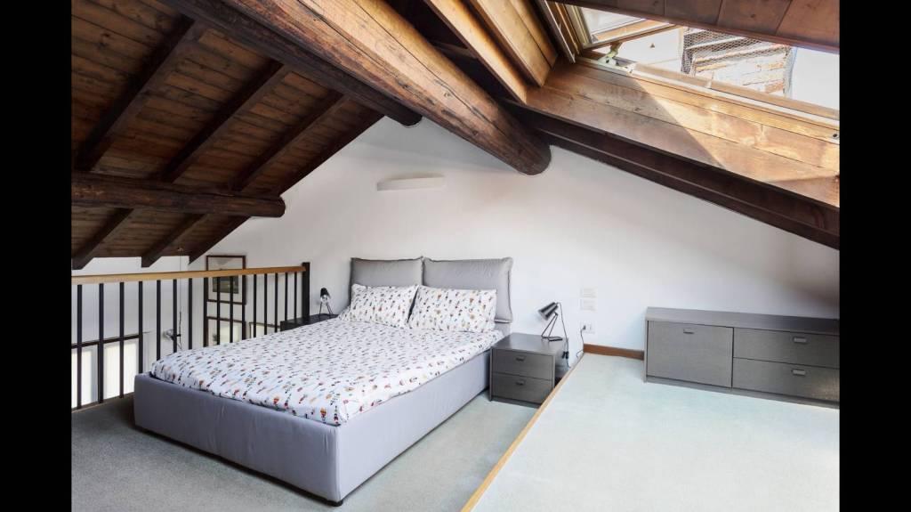 Appartamento in ottime condizioni arredato in affitto Rif. 6989928