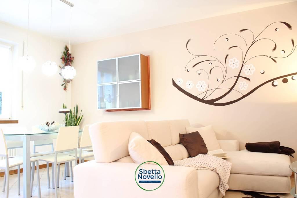 Appartamento in ottime condizioni parzialmente arredato in vendita Rif. 9258568