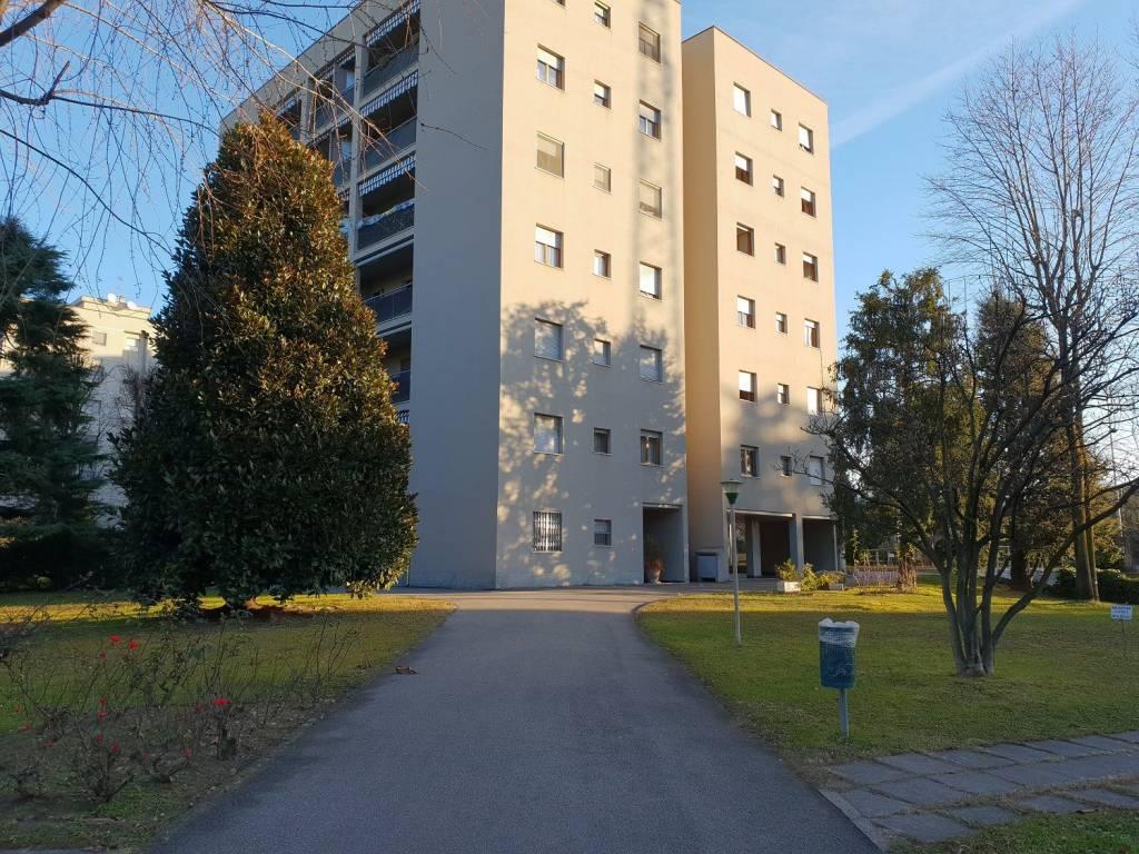 Appartamento in ottime condizioni in vendita Rif. 9259532