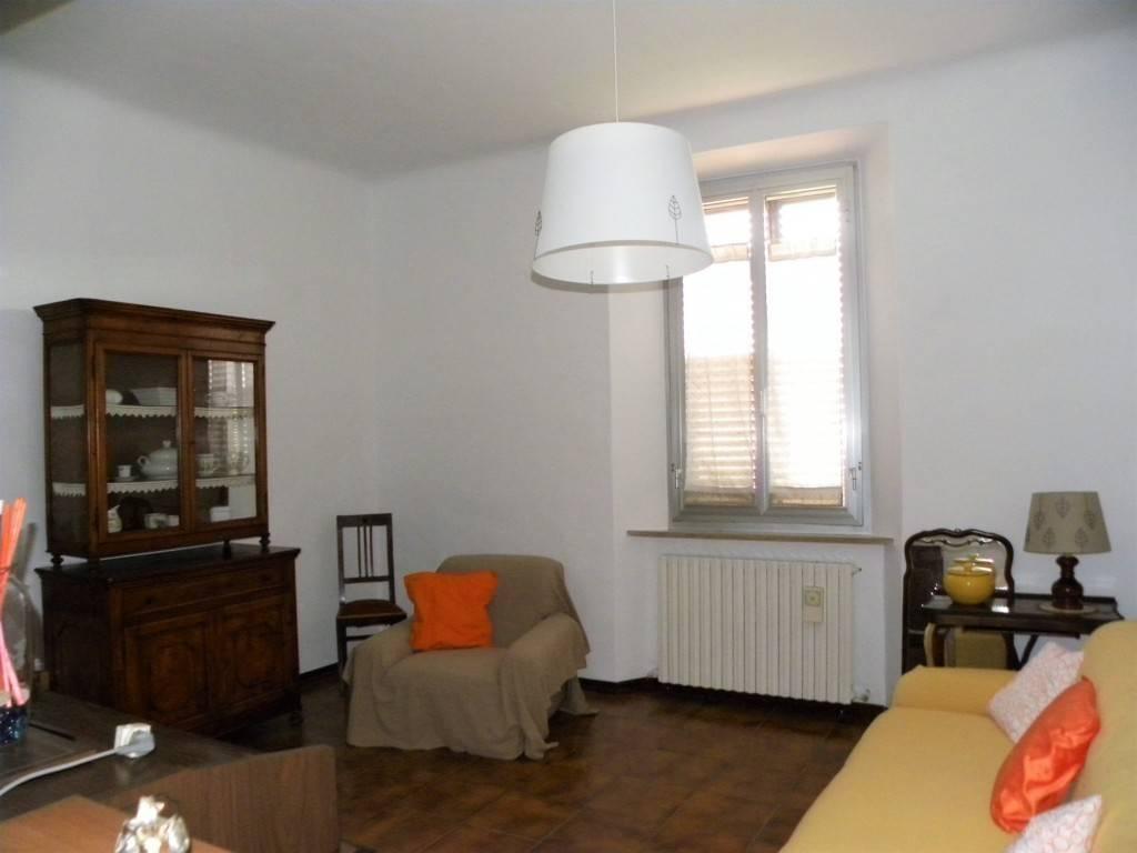 Appartamento in buone condizioni arredato in affitto Rif. 9254096