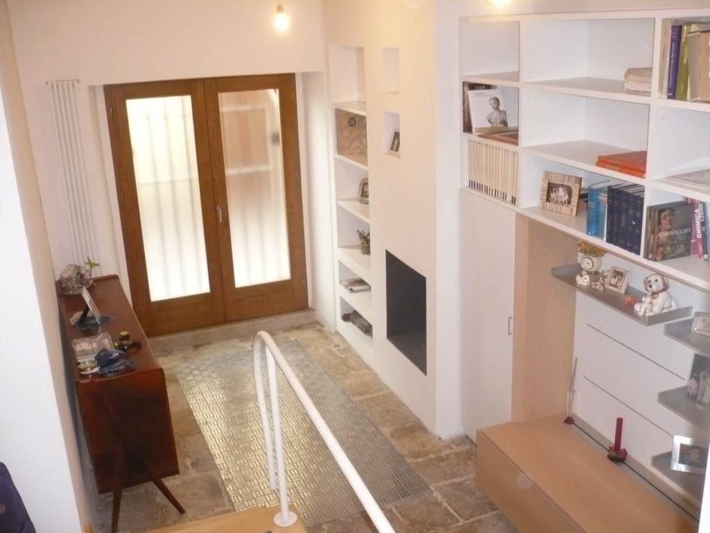 Appartamento in ottime condizioni arredato in affitto Rif. 9254838