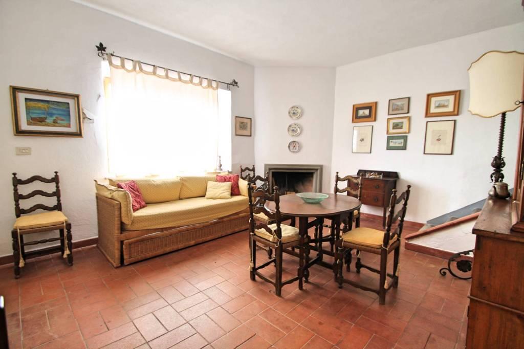 Appartamento in buone condizioni arredato in affitto Rif. 9254717