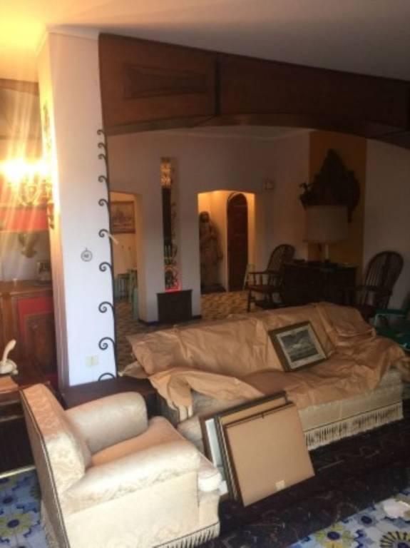 Appartamento da ristrutturare in vendita Rif. 9257609