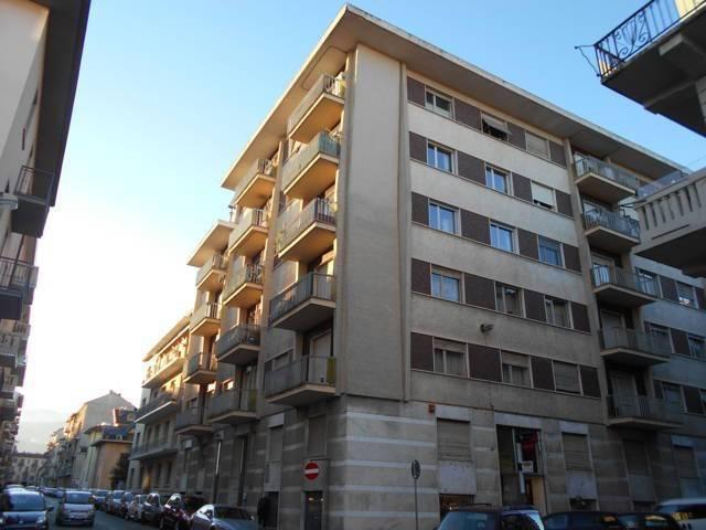 Appartamento in buone condizioni in affitto Rif. 9258701