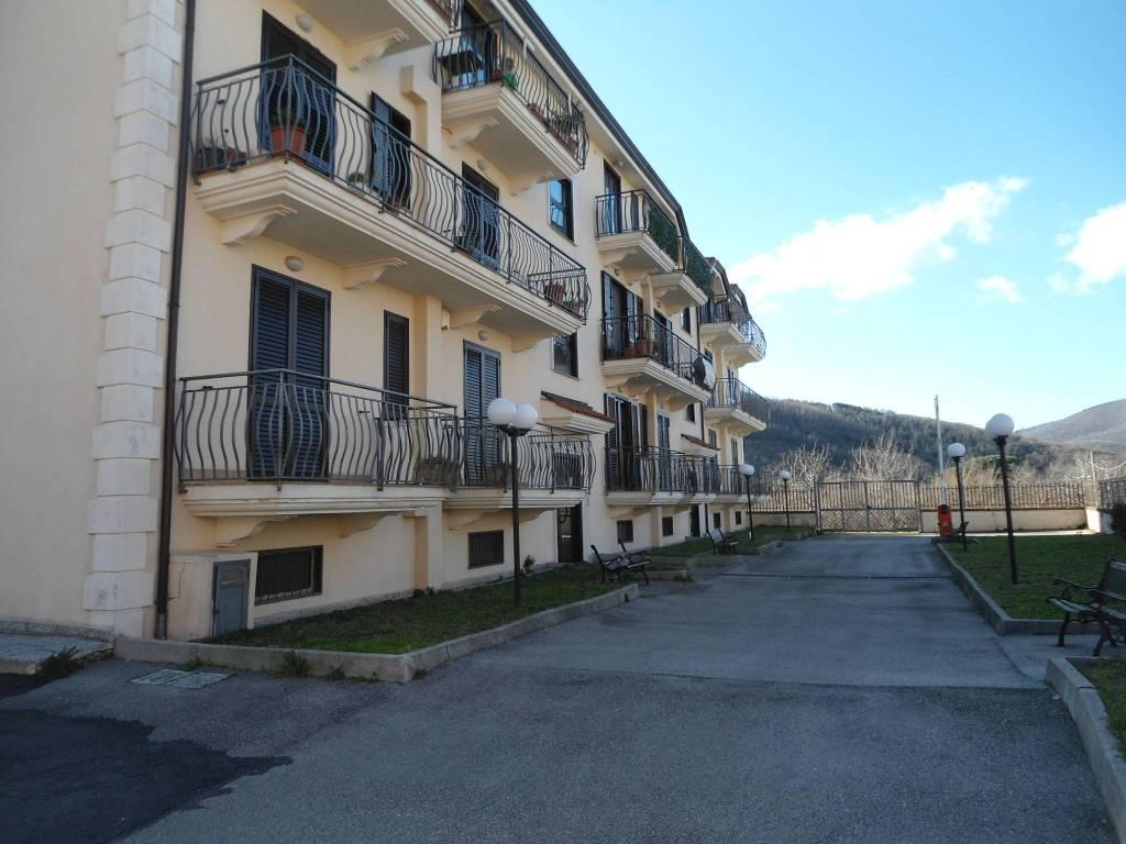 Appartamento in ottime condizioni in vendita Rif. 9254362