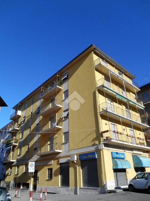 Appartamento in buone condizioni parzialmente arredato in vendita Rif. 9259334