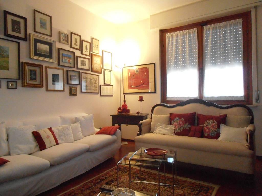 Appartamento in buone condizioni in vendita Rif. 9260459