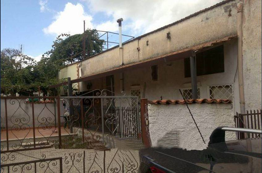 Appartamento in buone condizioni in vendita Rif. 9261341