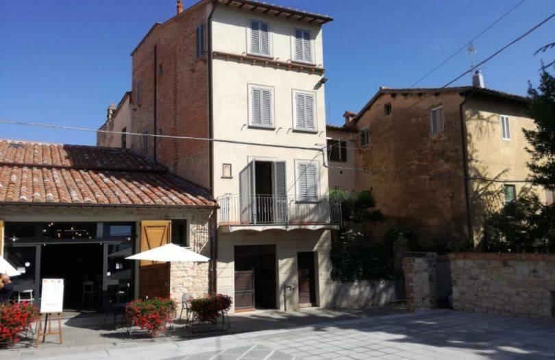 Casa indipendente in Vendita a Castiglione Del Lago Centro: 5 locali, 155 mq