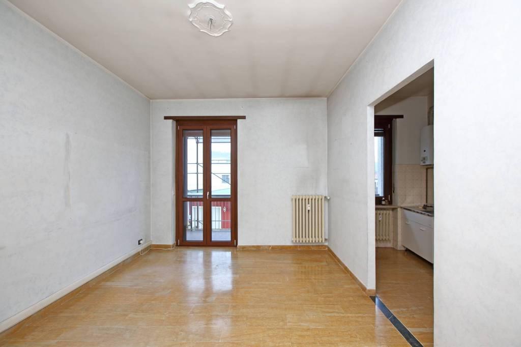 Appartamento in buone condizioni in affitto Rif. 9254879