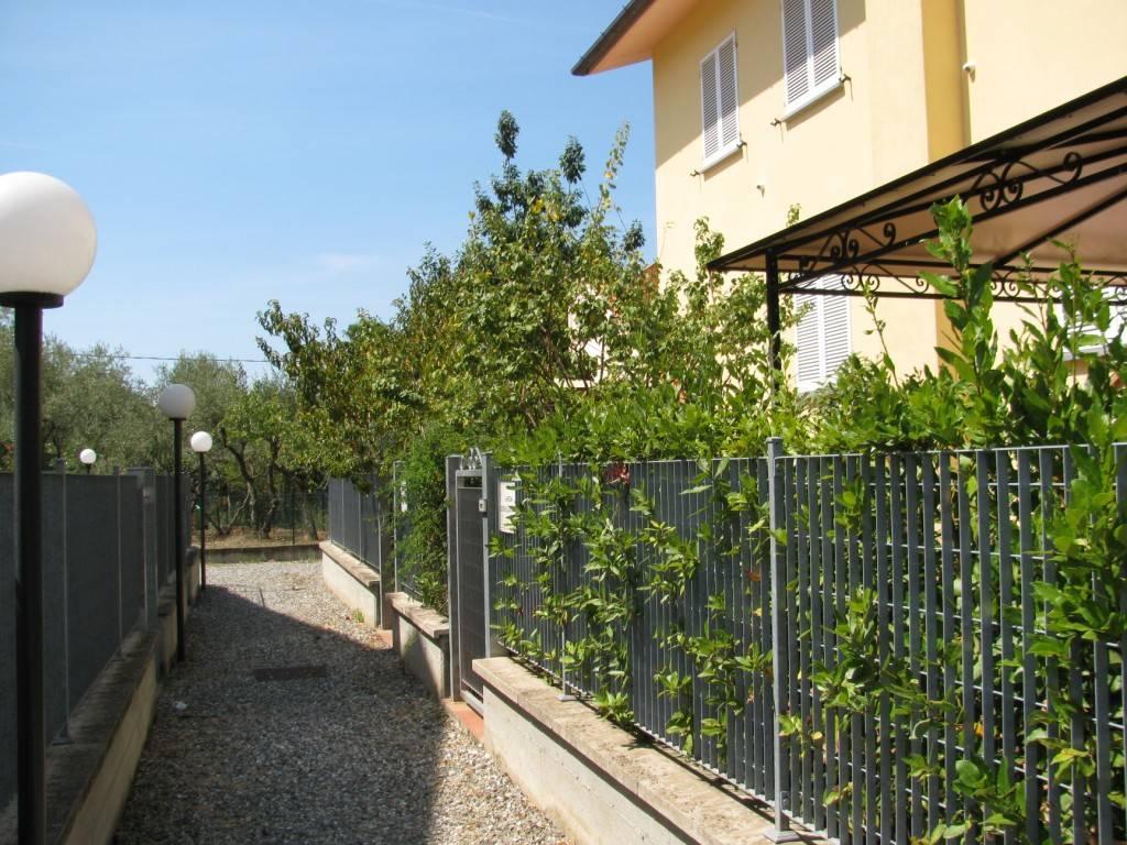 Appartamento in ottime condizioni in vendita Rif. 9260080