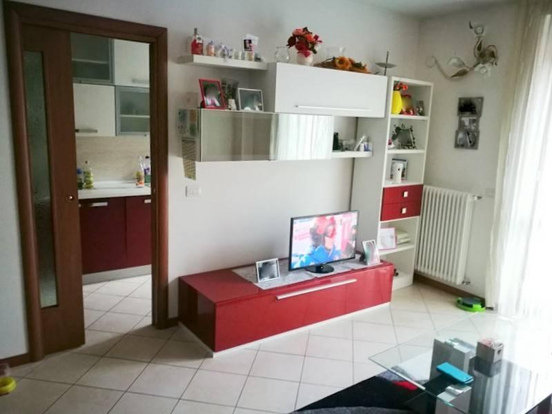 Appartamento in ottime condizioni arredato in vendita Rif. 9255016