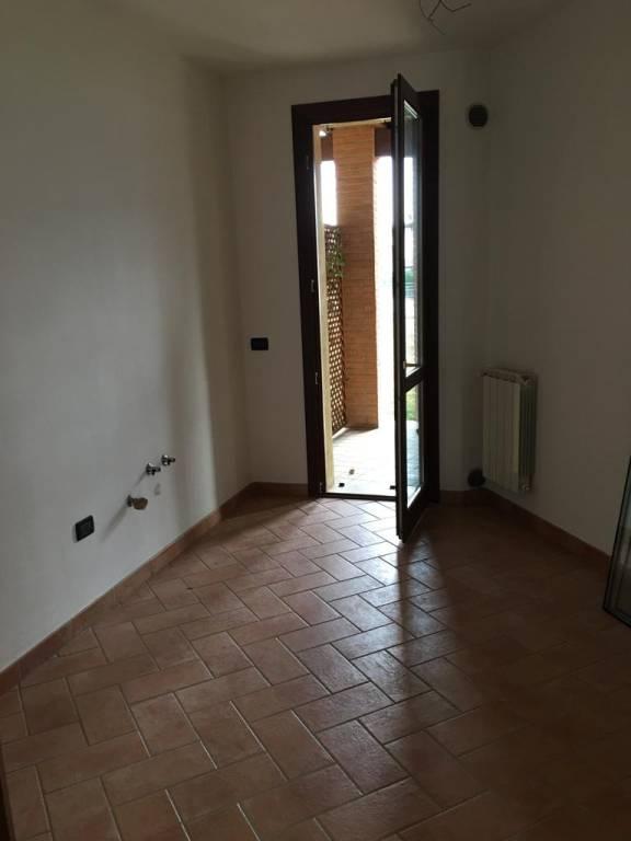 Appartamento in ottime condizioni in affitto Rif. 9303296