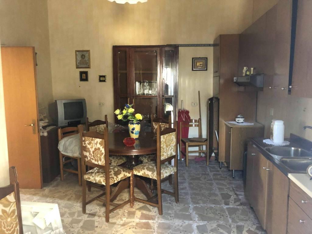 Stabile / Palazzo da ristrutturare in vendita Rif. 9259387