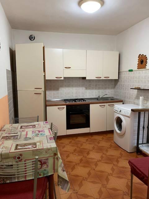 Appartamento in buone condizioni arredato in vendita Rif. 9254766