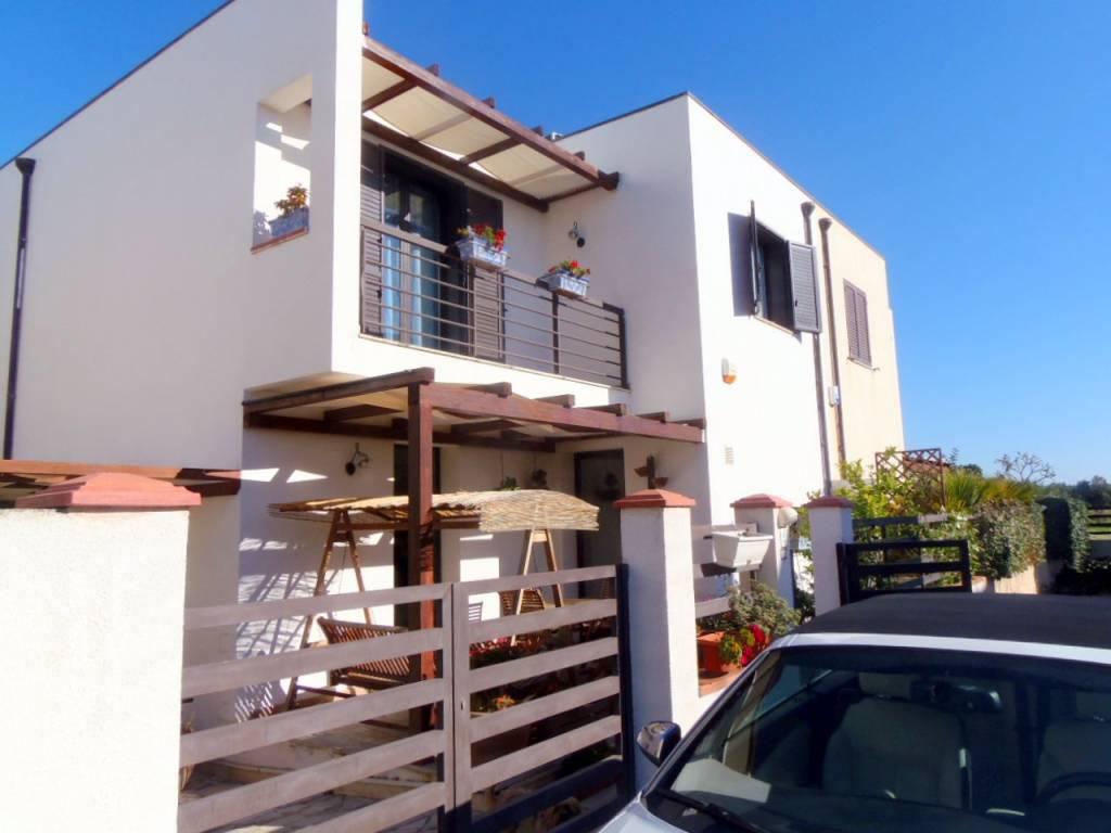 Villa in ottime condizioni arredato in vendita Rif. 9256506