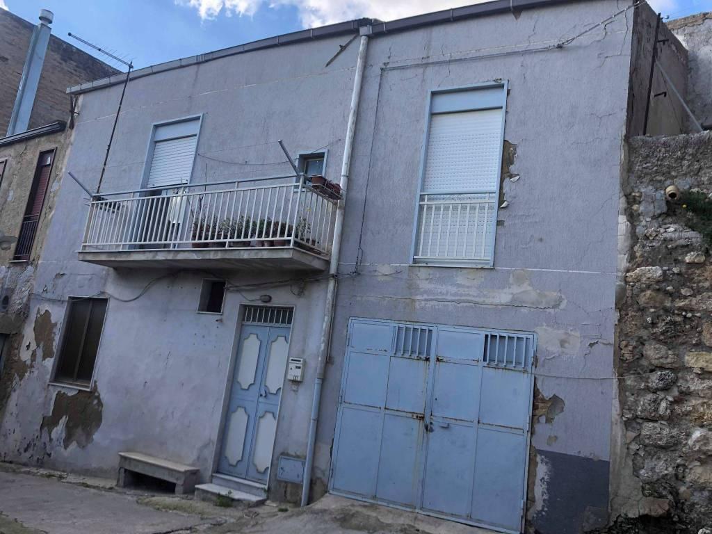 Stabile / Palazzo da ristrutturare in vendita Rif. 9259388