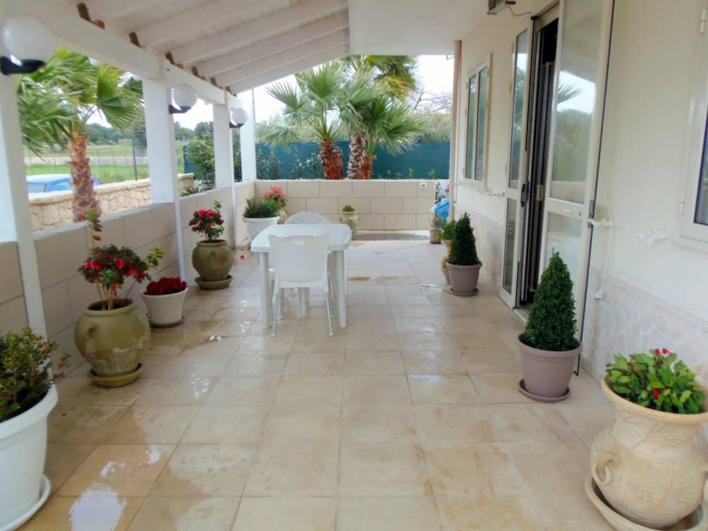 Villa in ottime condizioni arredato in vendita Rif. 9256507