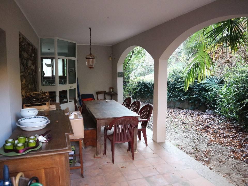 Villa 5 locali in vendita a Verbania (VB)