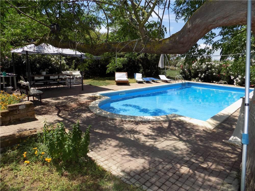 Villa in vendita a Assemini, 6 locali, Trattative riservate   CambioCasa.it