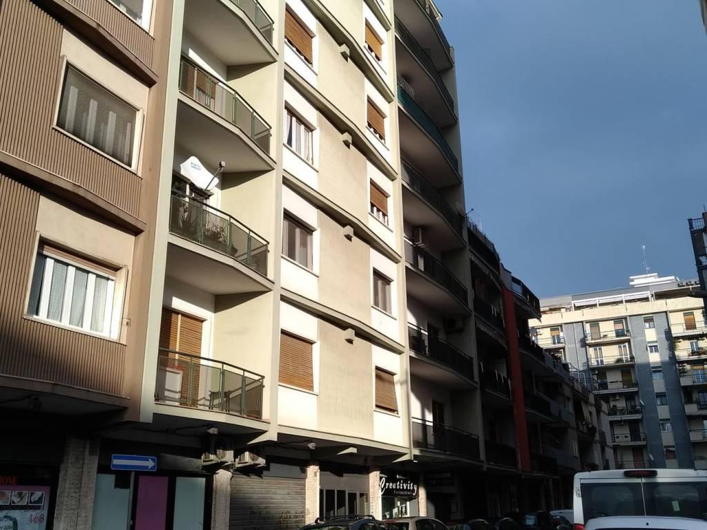 Appartamento in buone condizioni in vendita Rif. 9258748