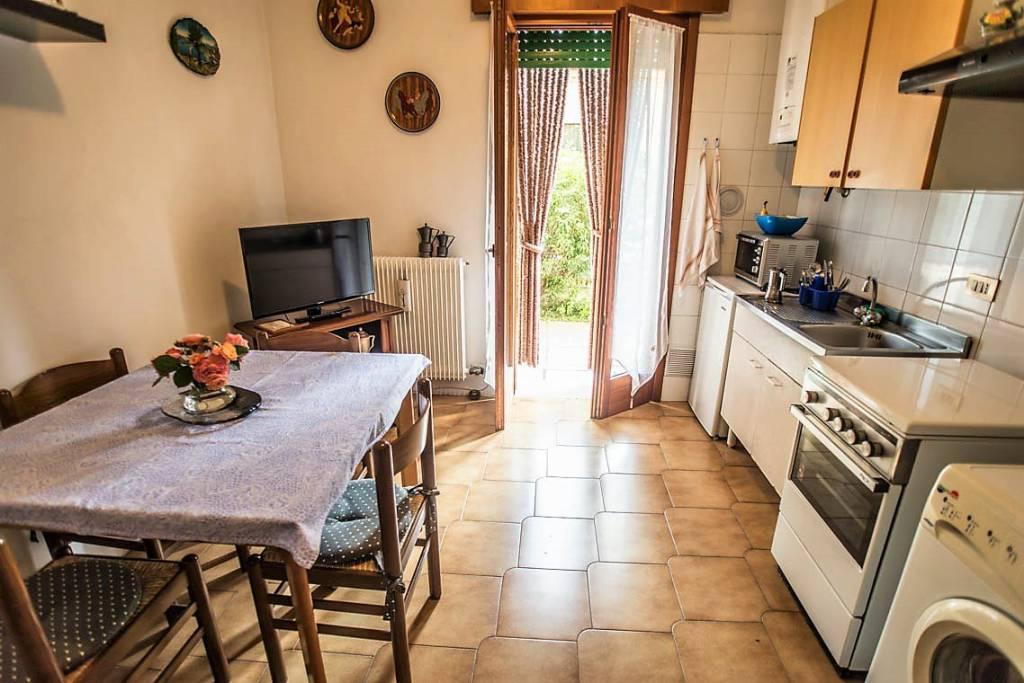 Appartamento in buone condizioni arredato in affitto Rif. 9257074