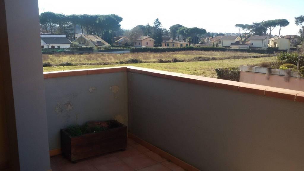 Grottaferrata Via Petochi appartamento con terrazzo