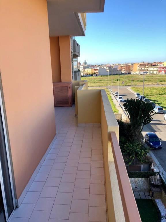 Appartamento in ottime condizioni parzialmente arredato in vendita Rif. 9260335