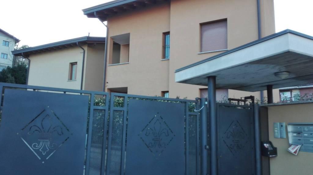 Appartamento in ottime condizioni parzialmente arredato in affitto Rif. 9262412