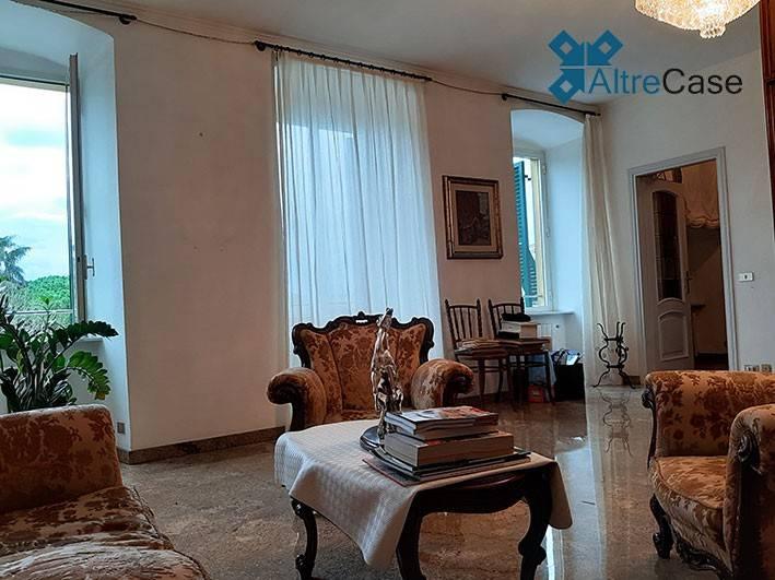 Appartamento in ottime condizioni parzialmente arredato in vendita Rif. 9261537