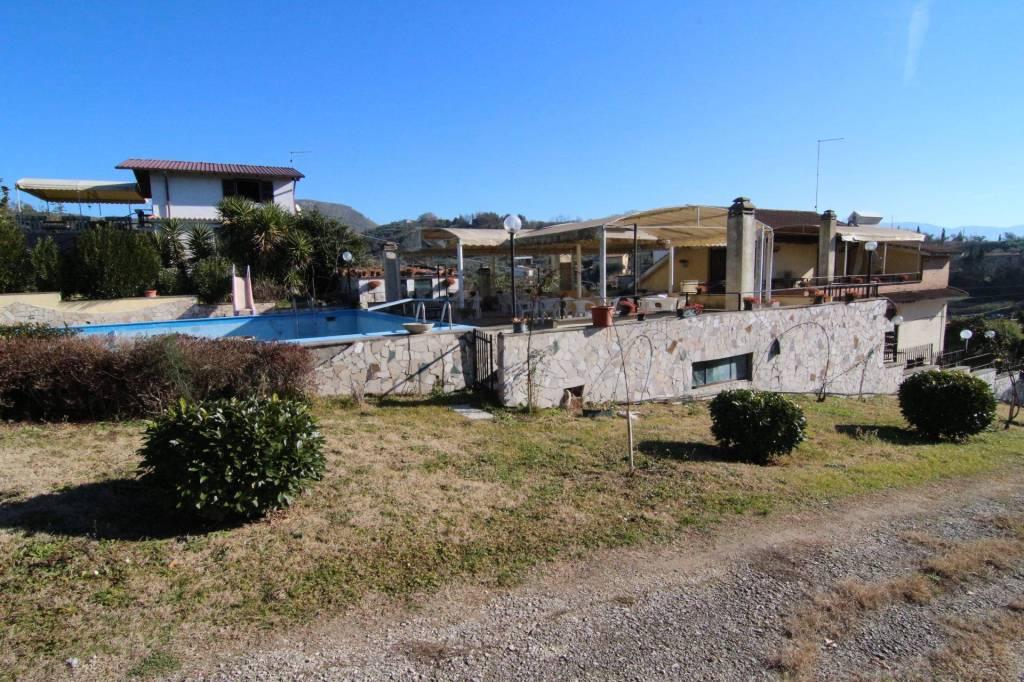 Fara in Sabina (RI) Villa Valle dell'Oppio