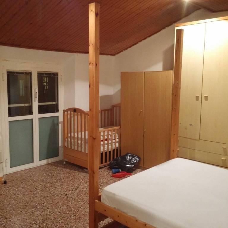 Attico / Mansarda in buone condizioni arredato in affitto Rif. 9258246