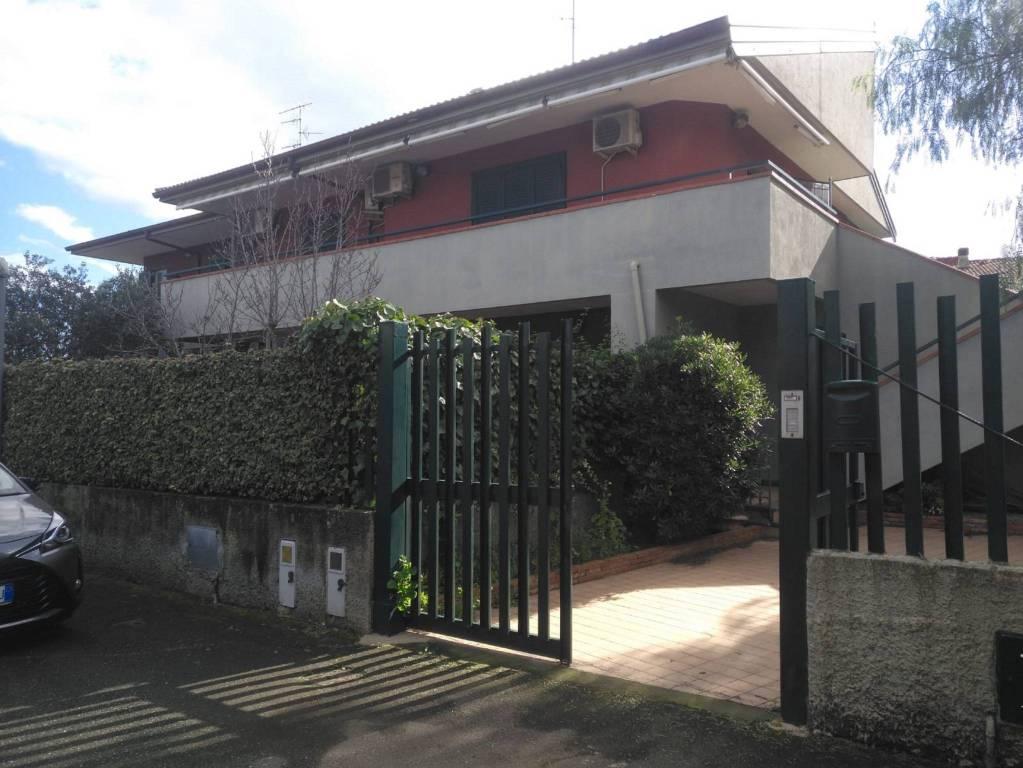 Appartamento in Vendita a Valverde Centro: 5 locali, 150 mq