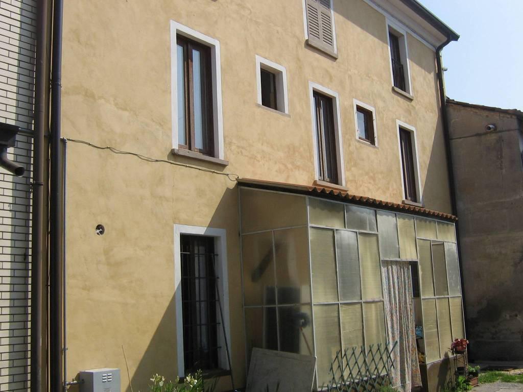 Casa Indipendente in buone condizioni in vendita Rif. 9258872