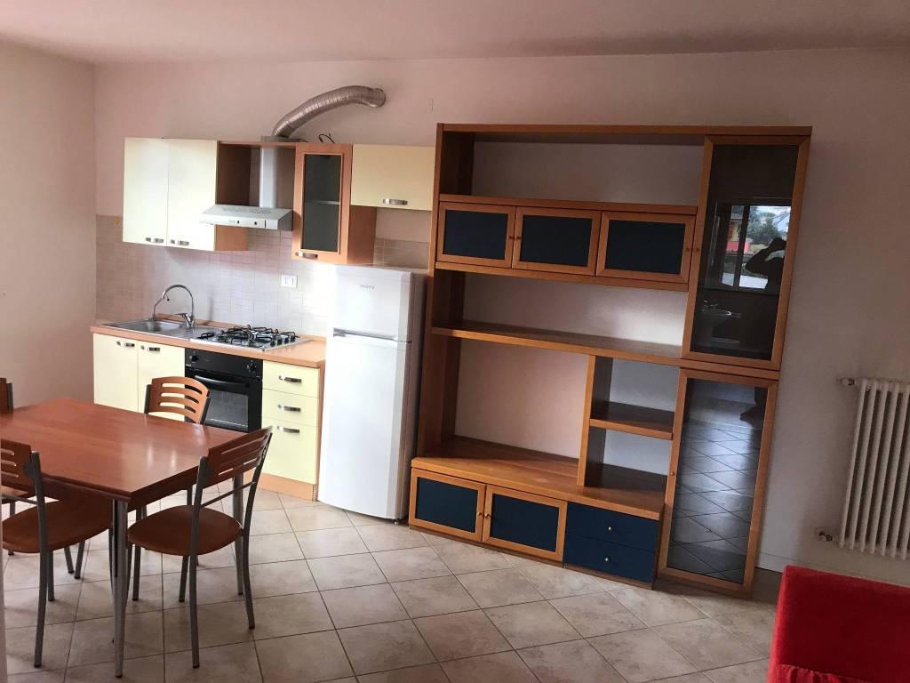 Appartamento in buone condizioni arredato in vendita Rif. 9258230