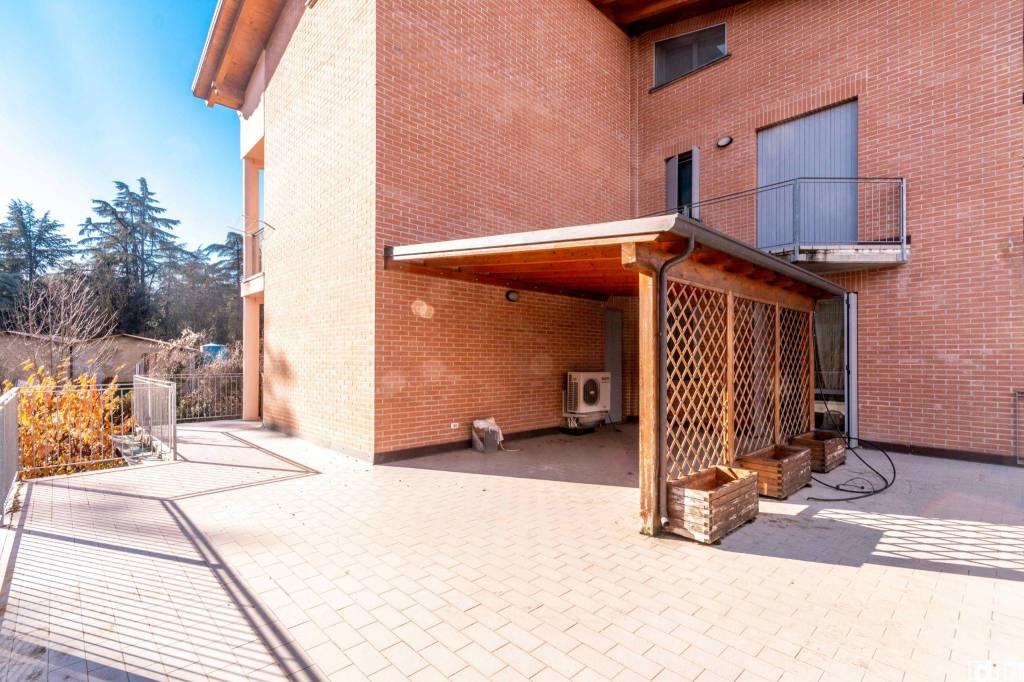 Appartamento in ottime condizioni parzialmente arredato in vendita Rif. 9260608