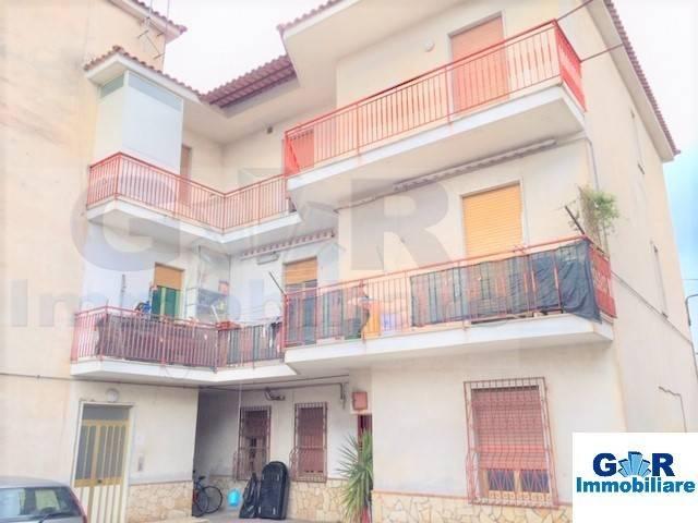 Appartamento in buone condizioni in affitto Rif. 9257013