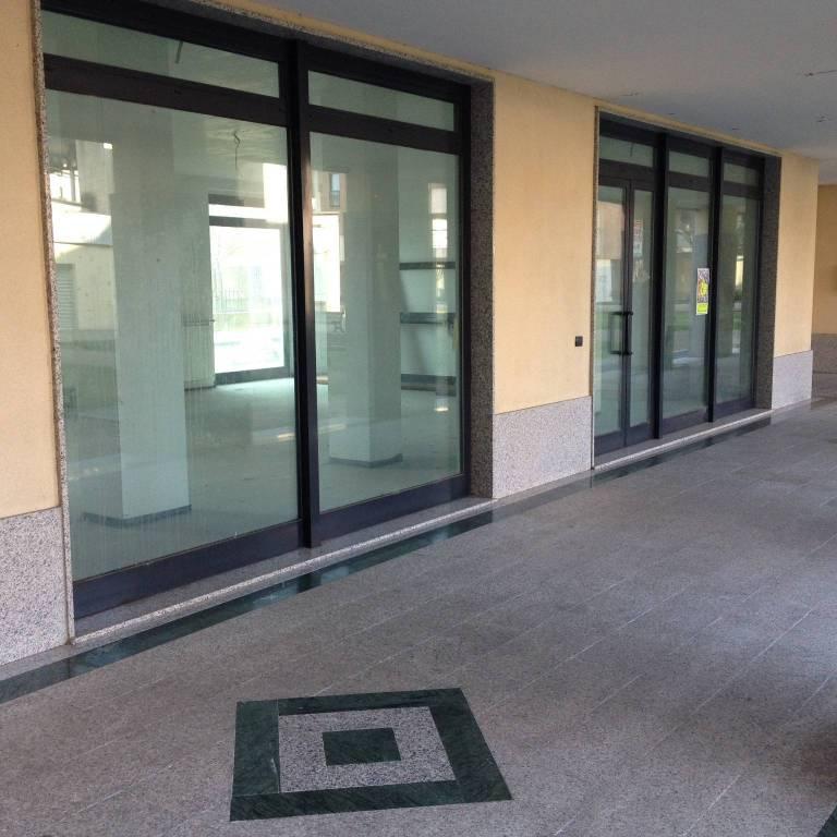 Negozio / Locale in affitto a Castellanza, 1 locali, prezzo € 1.000 | CambioCasa.it