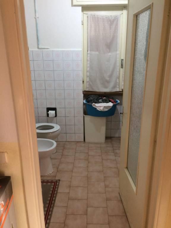 Appartamento in buone condizioni parzialmente arredato in affitto Rif. 9261844