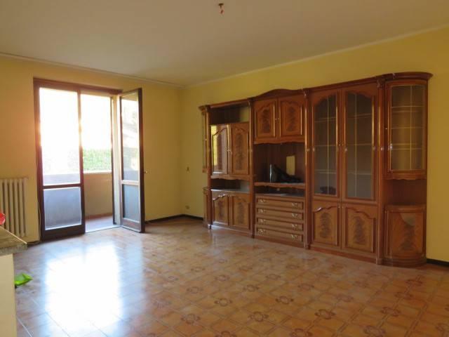 Appartamento in buone condizioni in vendita Rif. 9257156
