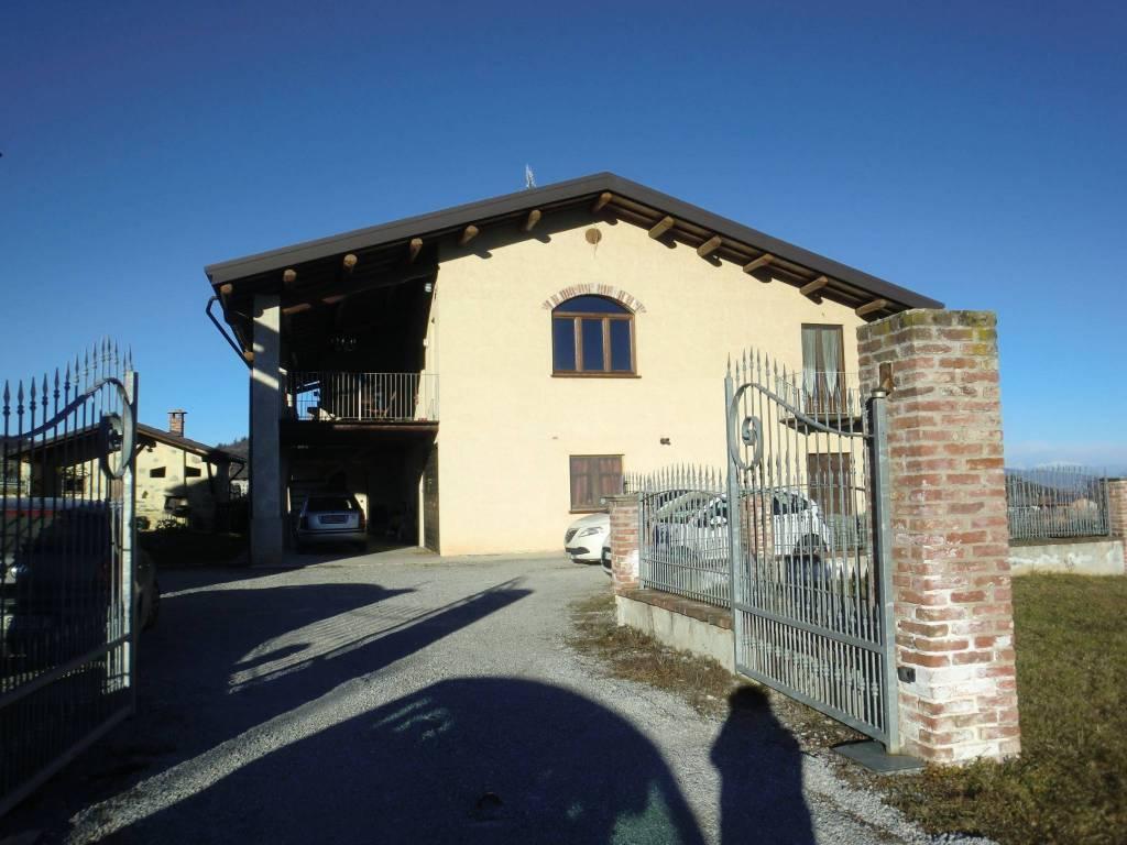 Villa in ottime condizioni in affitto Rif. 9254383