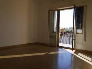 Roma Due leoni bilocale con balcone