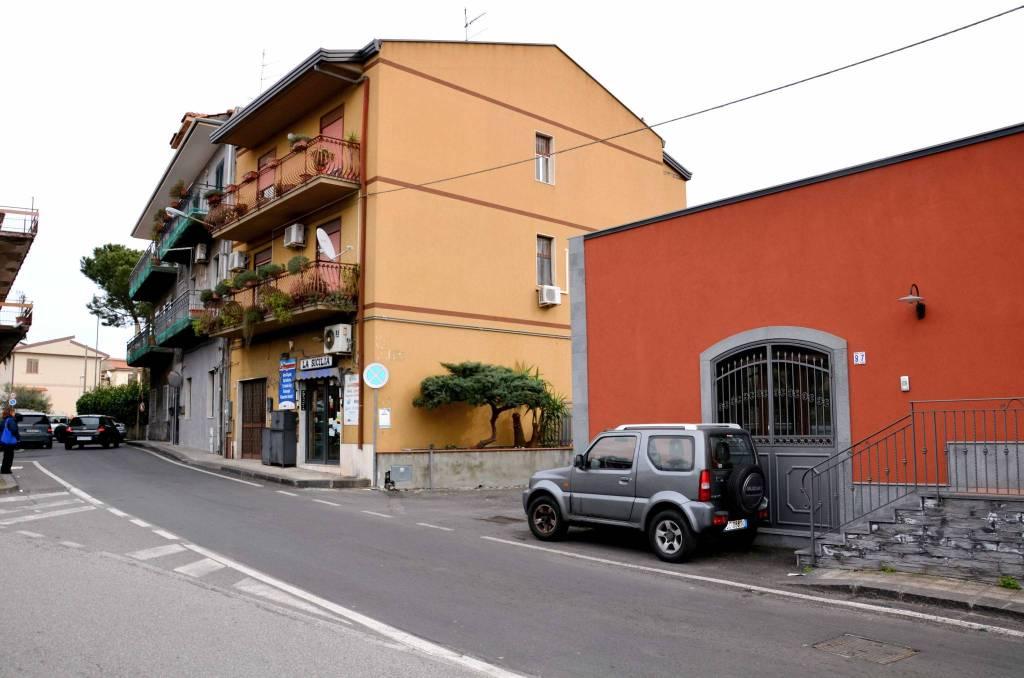 Appartamento in buone condizioni in vendita Rif. 9257135