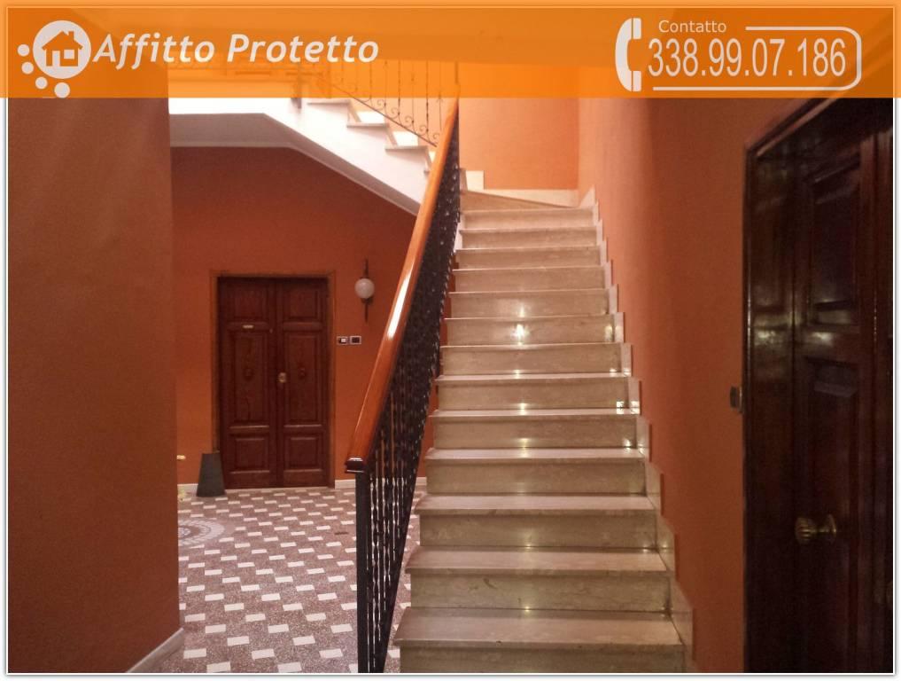 Appartamento in buone condizioni parzialmente arredato in affitto Rif. 9258106
