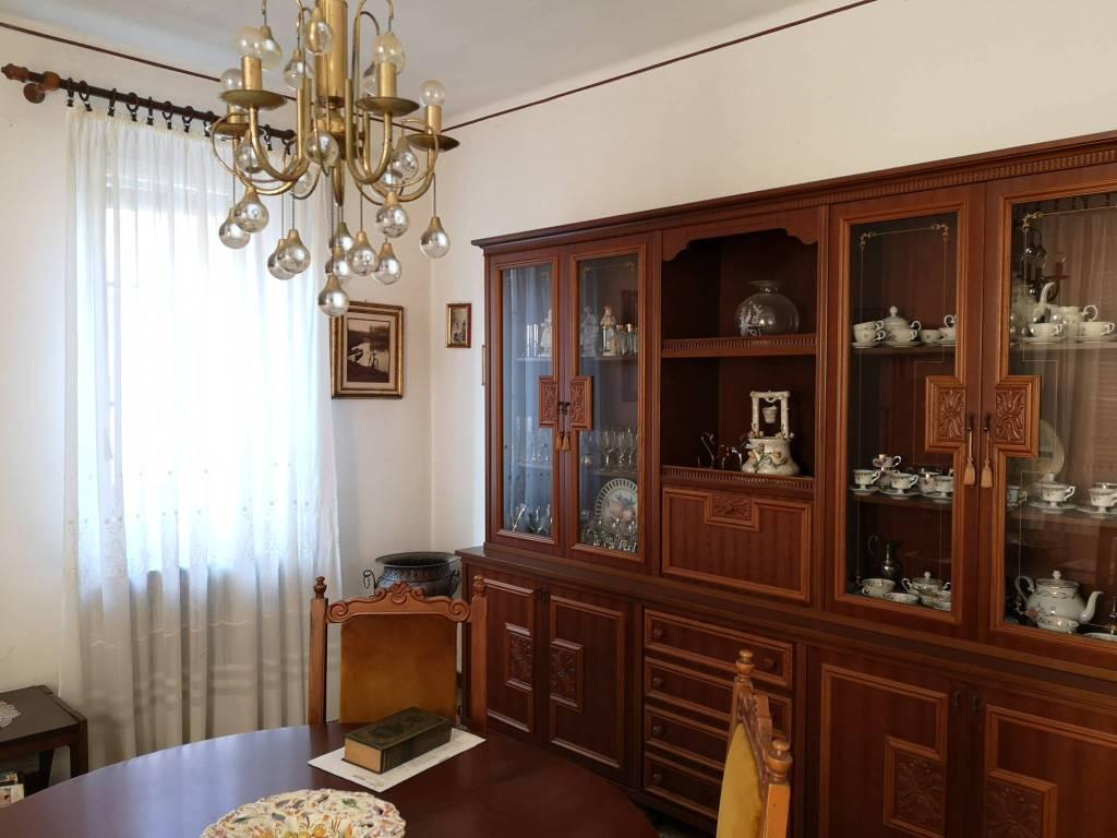 Appartamento in buone condizioni in vendita Rif. 9271281