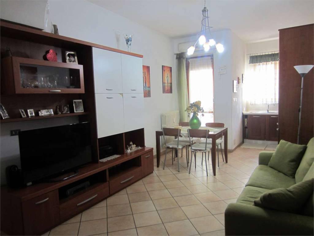 Appartamento in ottime condizioni in vendita Rif. 9304316