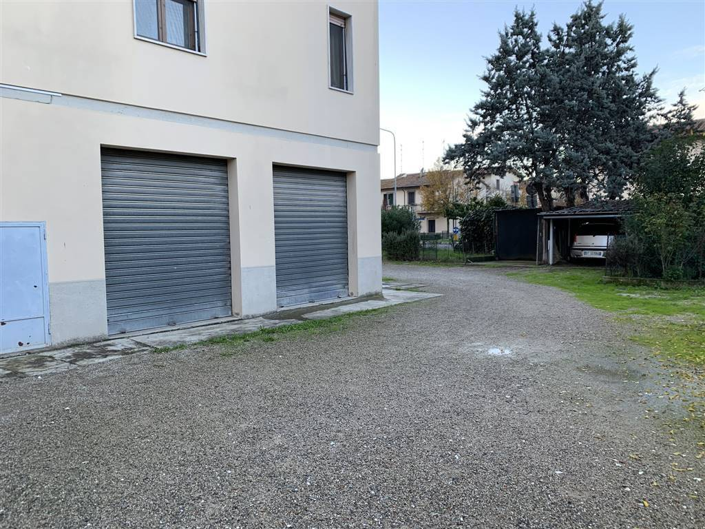 Appartamento in buone condizioni in vendita Rif. 9272120